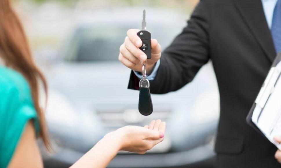 Những khoản lệ phí phải nộp khi sang tên xe ô tô
